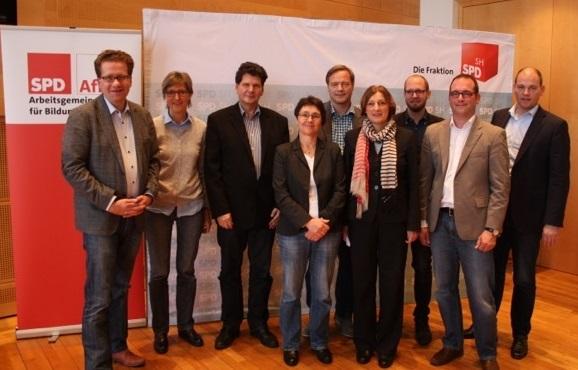 SPD-Bildungspolitiker mit Ministerinnen Ernst und Heinold