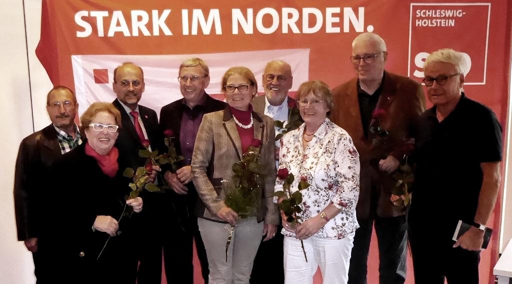 Gruppenbild des gewählten Vorstandes