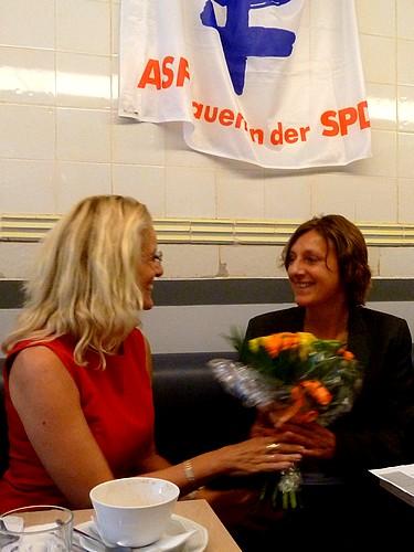 AsF-Vorsitzende Antje Möller-Neustock verabschiedet Britta Ernst