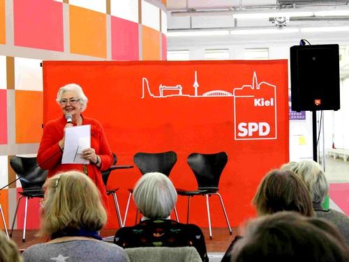 AsF-Kreisvorsitzende Ingrid Lietzow begrüßt.