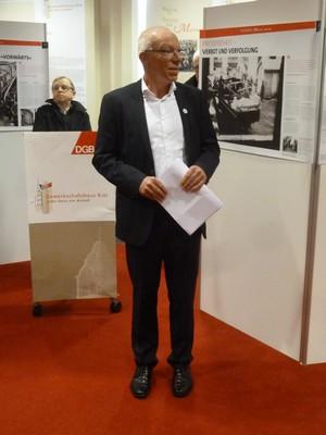 DGB-Vorsitzender Frank Hornschu begrüßt.