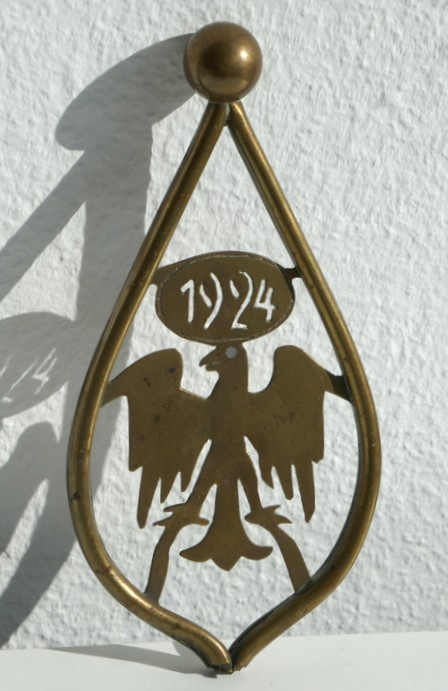 Fahnenspitze einer Traditionsfahne des Reichsbanners