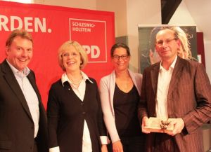 v.l.n.r.: Olaf Schulze, Bärbel Dieckmann, Dr. Nina Scheer, D
