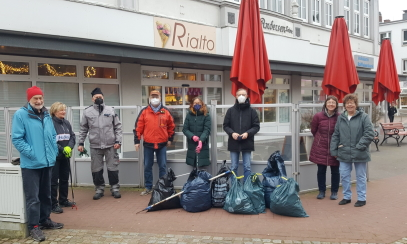 Sammelaktion in Wilster, vorne links: Manfred Schmiade