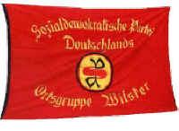 Die historische Fahne des SPD-Ortsvereins Wilster