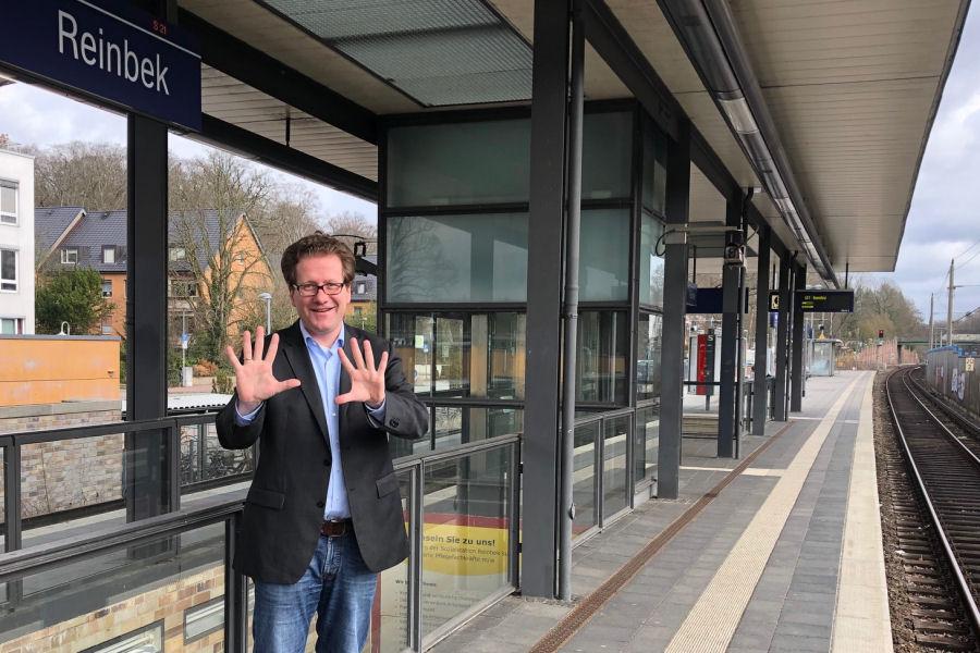 Foto: Martin Habersaat auf dem Reinbeker S-Bahnhof