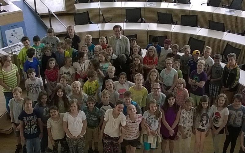 Grundschule Mühlenredder zu Besuch im Landeshaus