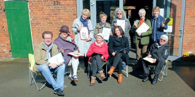 Foto: Die Gruppe (Martin Habersaat links, Ulrike Plötz 2.v.r